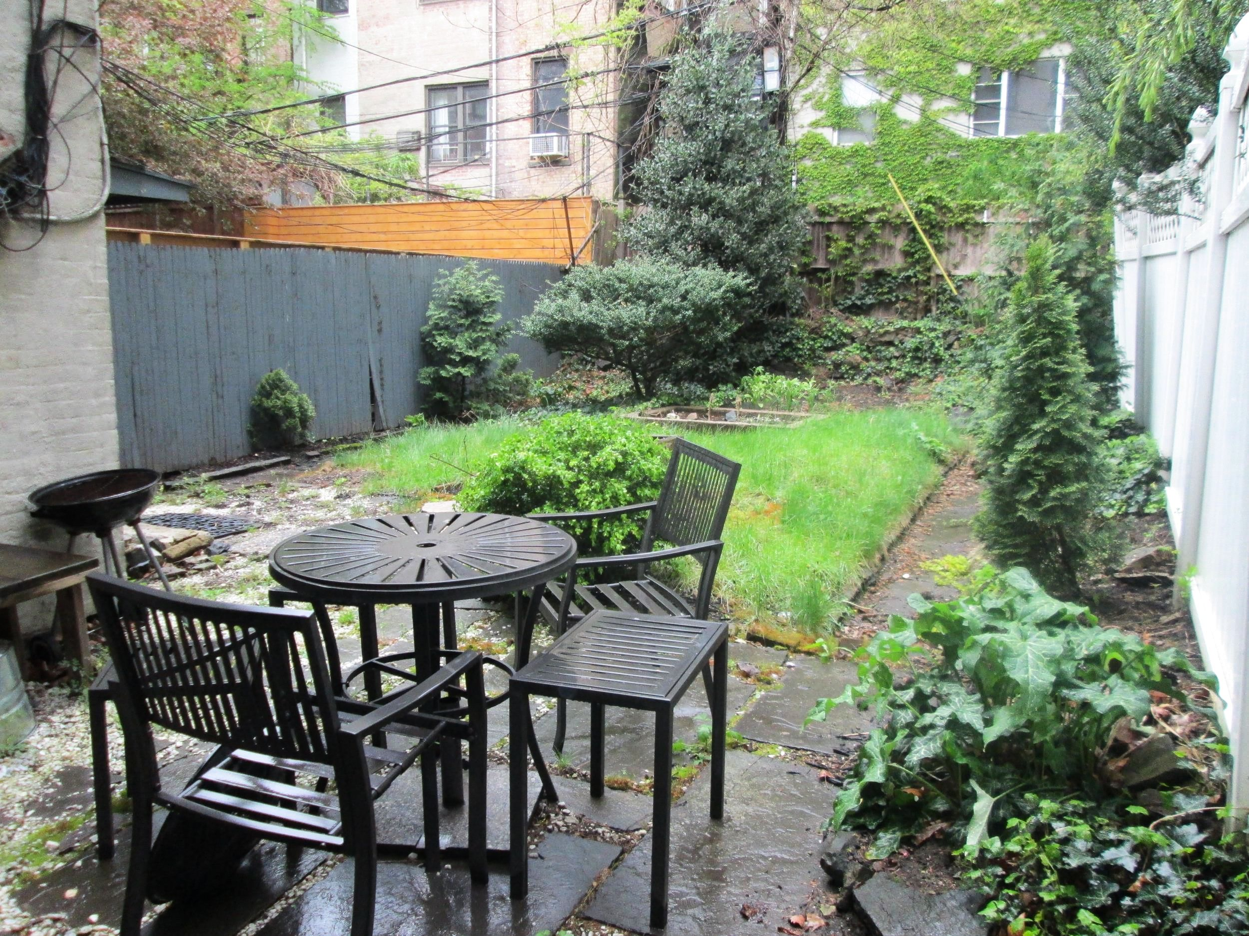 Attractive Studio Apartment On The Most Beautiful Block In Brooklyn, With Awesome  Backyard For Rent.