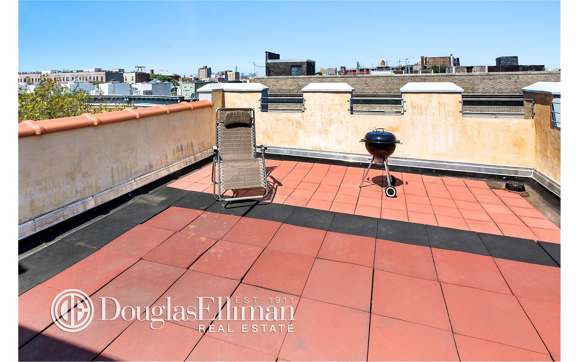 852 Cypress Ave, APT 3A Photo 3 - ELLIMAN-2198361