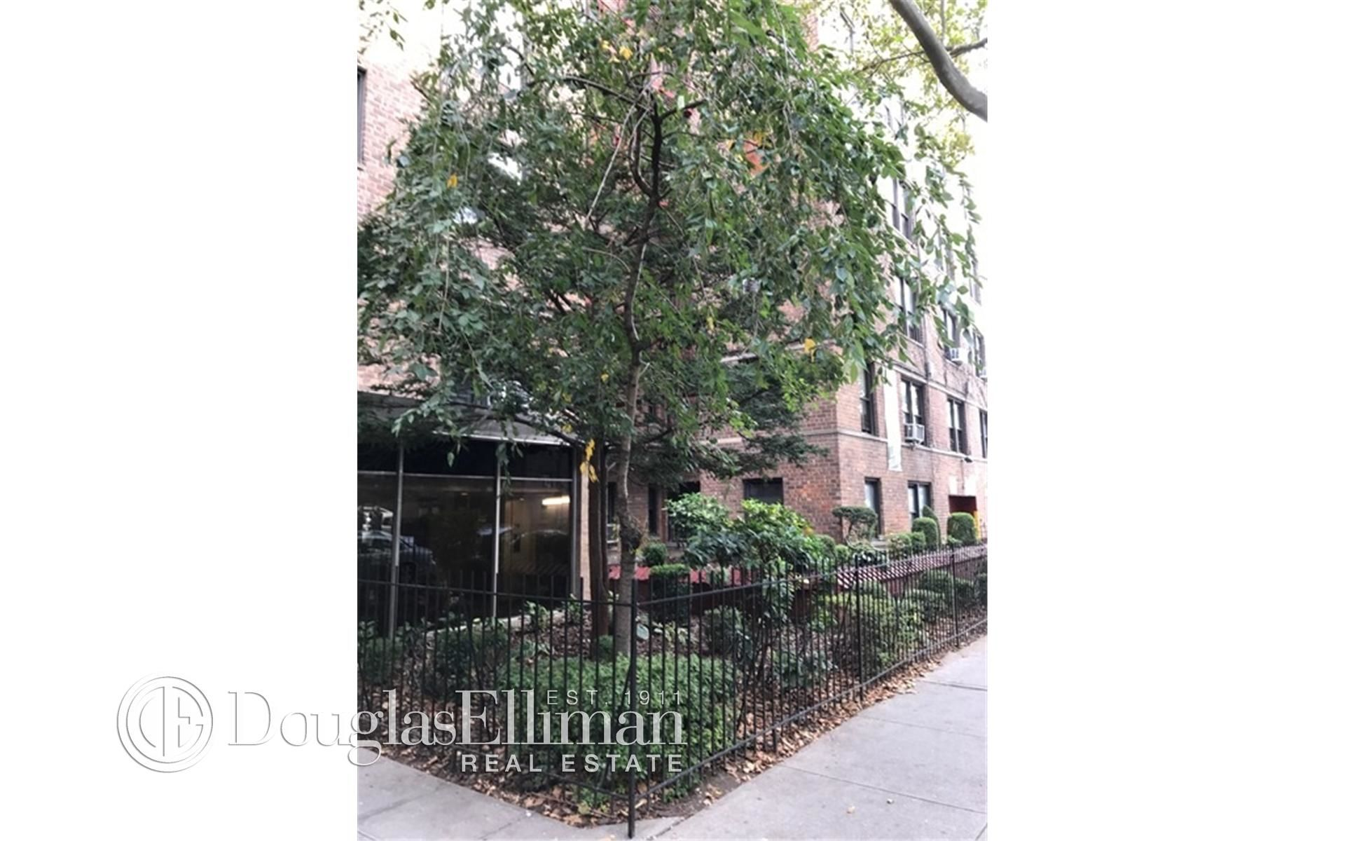 285 E 35th St, APT 7F Photo 5 - ELLIMAN-2322830