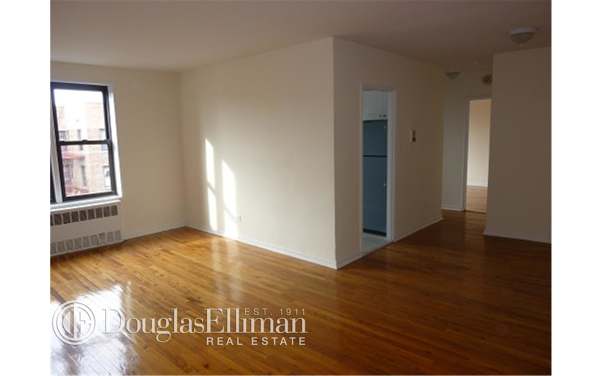 285 E 35th St, APT 7F Photo 4 - ELLIMAN-2322830