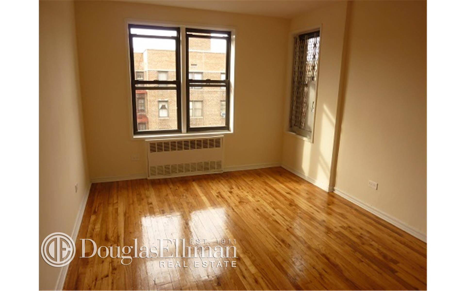 285 E 35th St, APT 7F Photo 2 - ELLIMAN-2322830