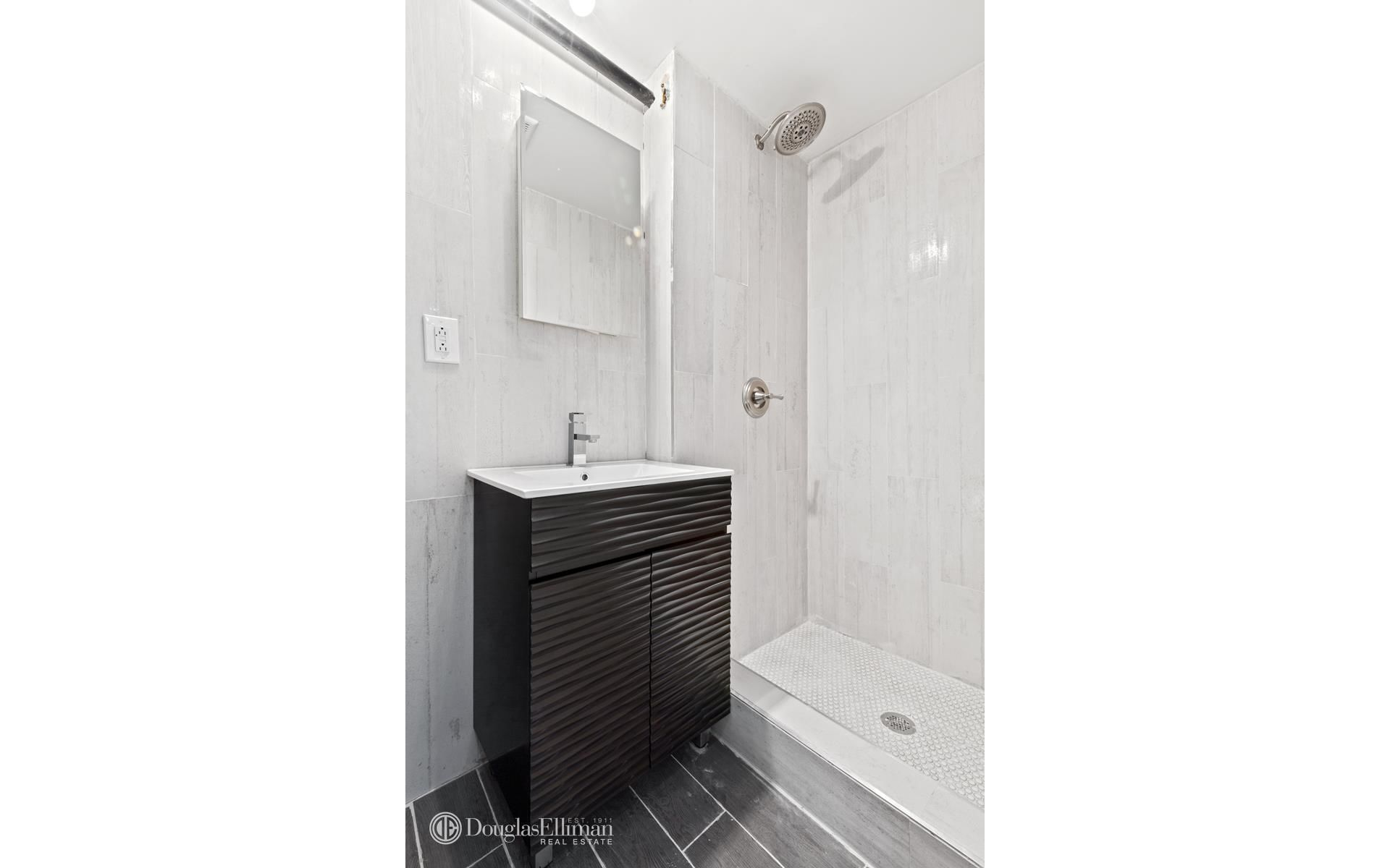 299 Vanderbilt Ave Photo 13 - ELLIMAN-2558258