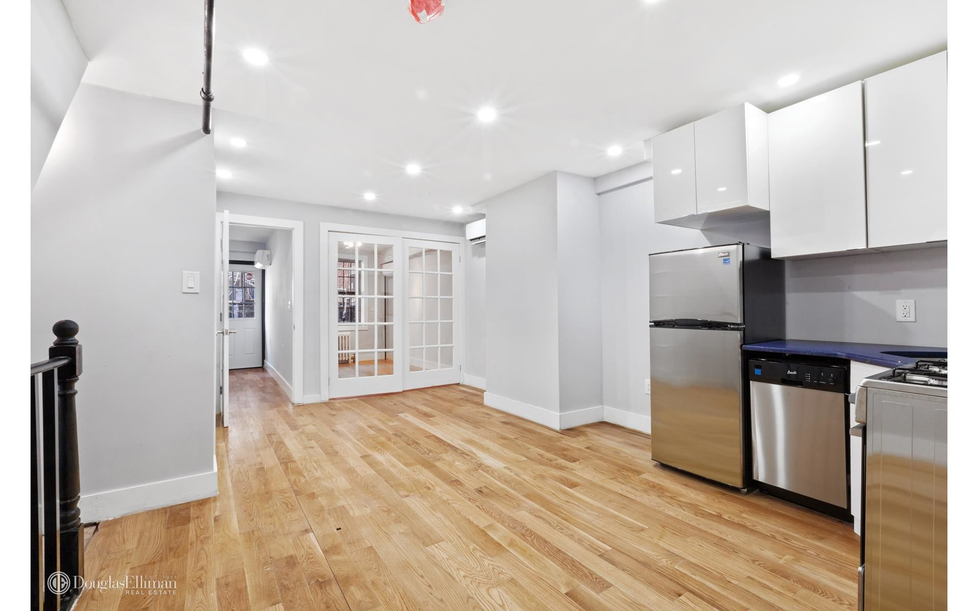 299 Vanderbilt Ave Photo 11 - ELLIMAN-2558258