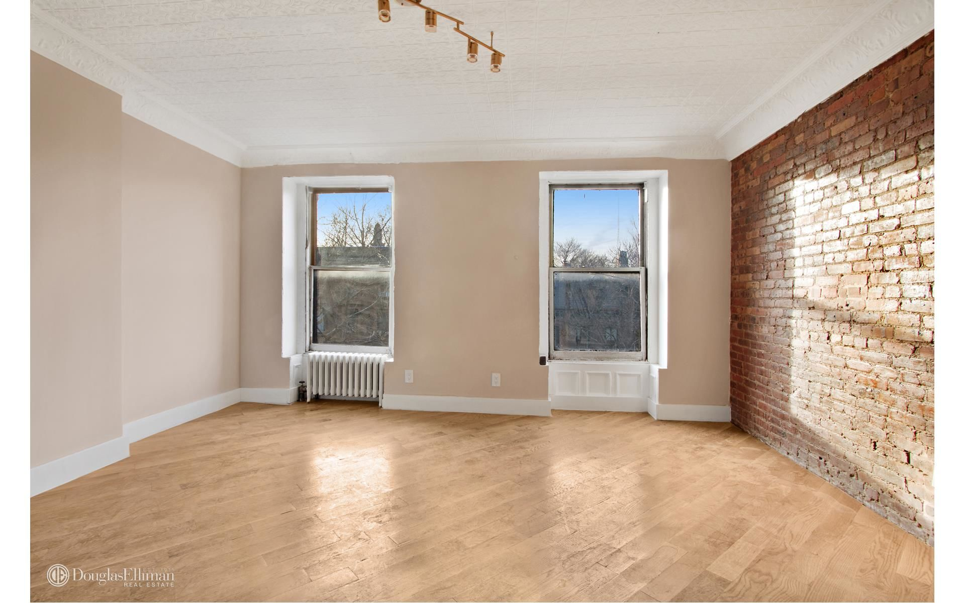299 Vanderbilt Ave Photo 7 - ELLIMAN-2558258