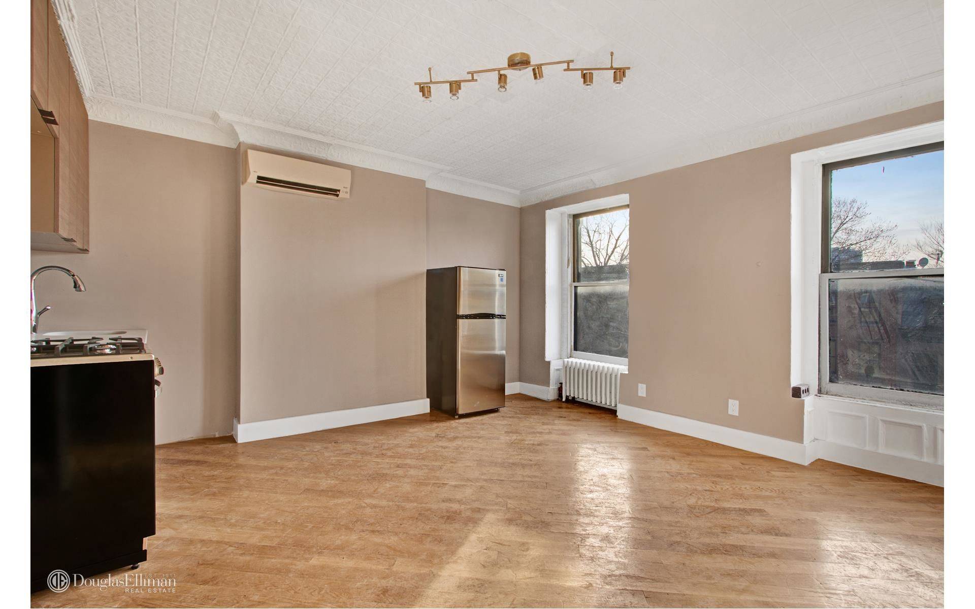 299 Vanderbilt Ave Photo 9 - ELLIMAN-2558258