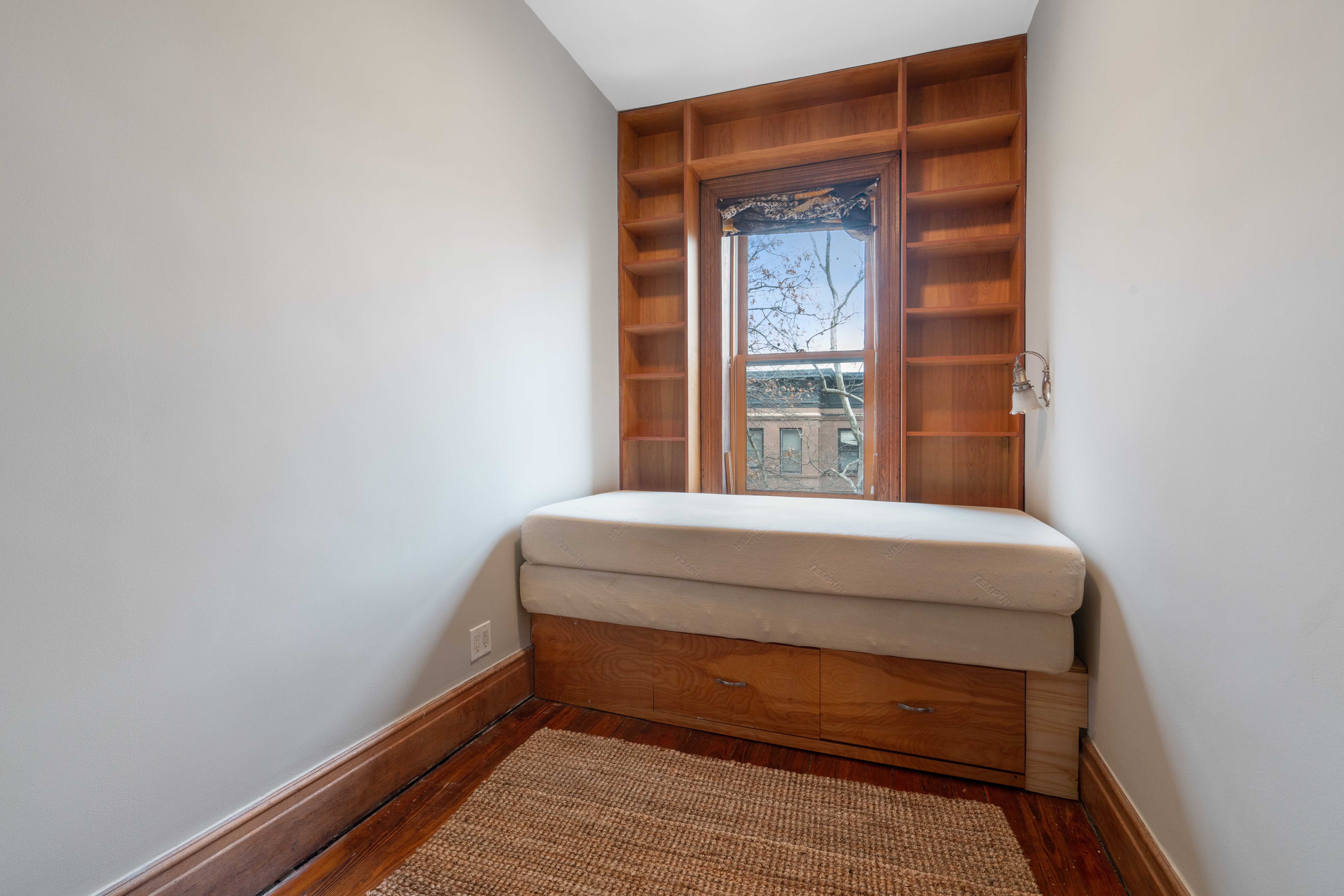 594 2nd St Photo 11 - BROWNSTONER-LISTING-47512a55ccfbbeb19b0a8fb315f62163