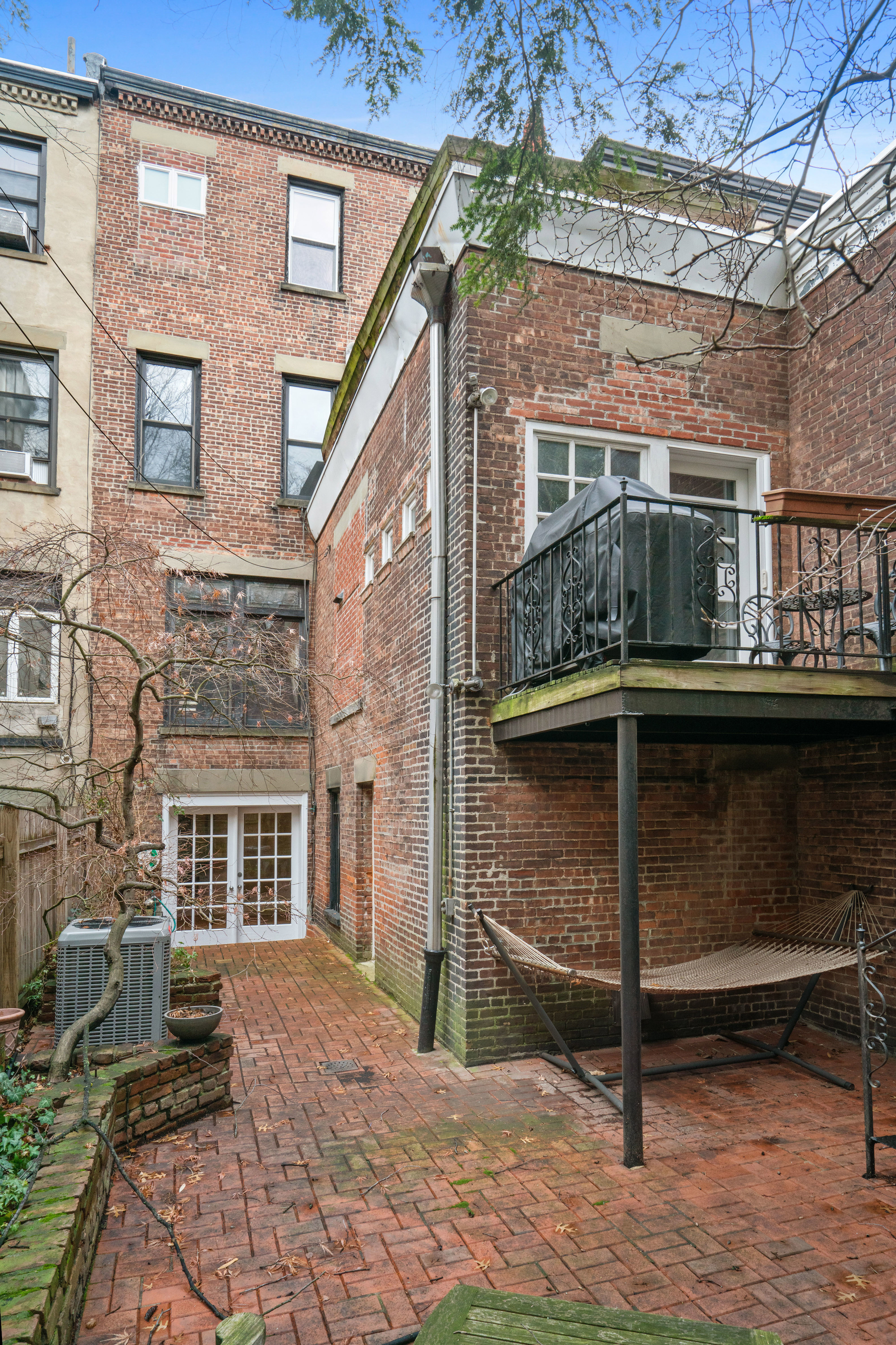 594 2nd St Photo 3 - BROWNSTONER-LISTING-47512a55ccfbbeb19b0a8fb315f62163