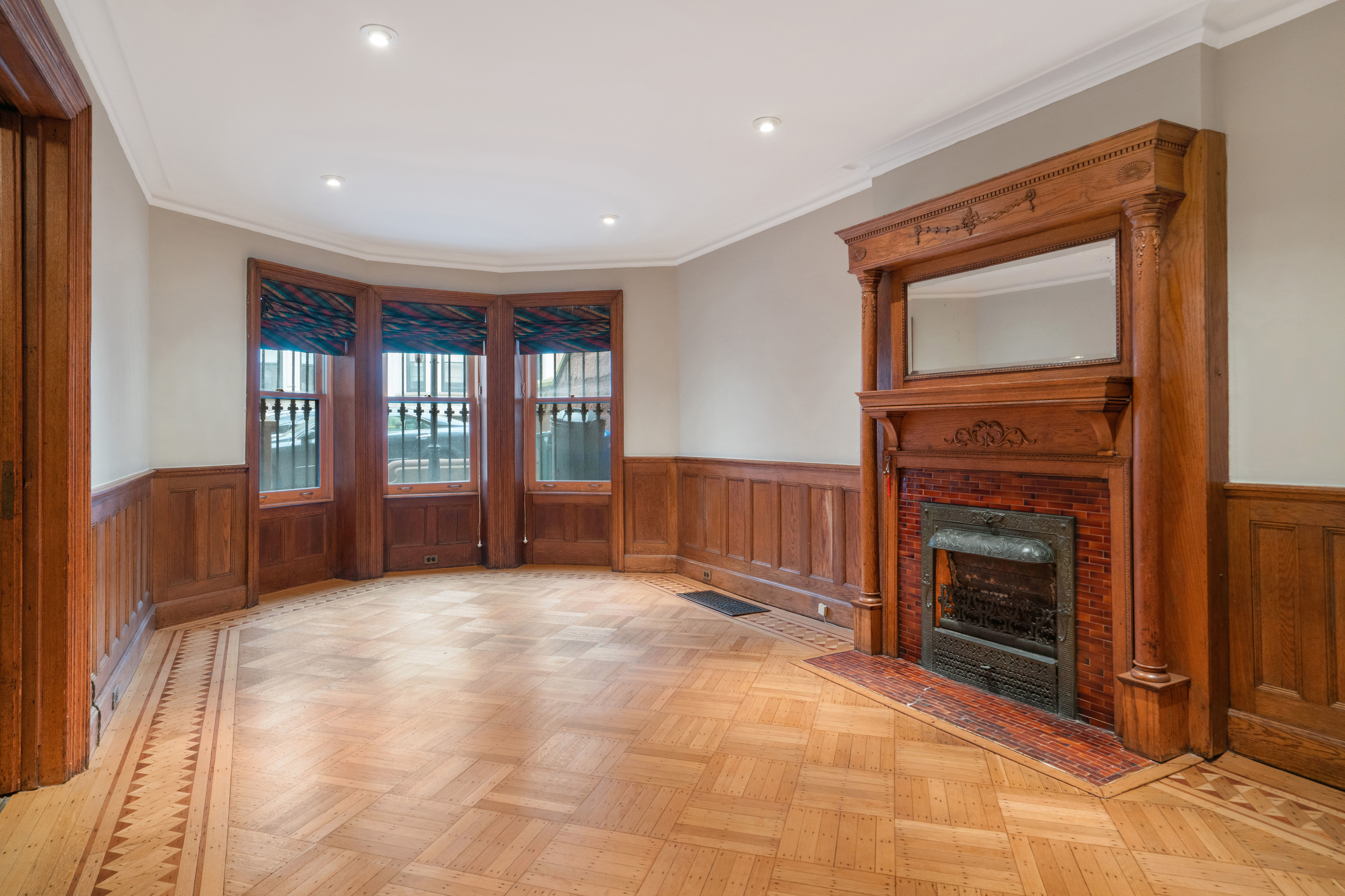 594 2nd St Photo 4 - BROWNSTONER-LISTING-47512a55ccfbbeb19b0a8fb315f62163