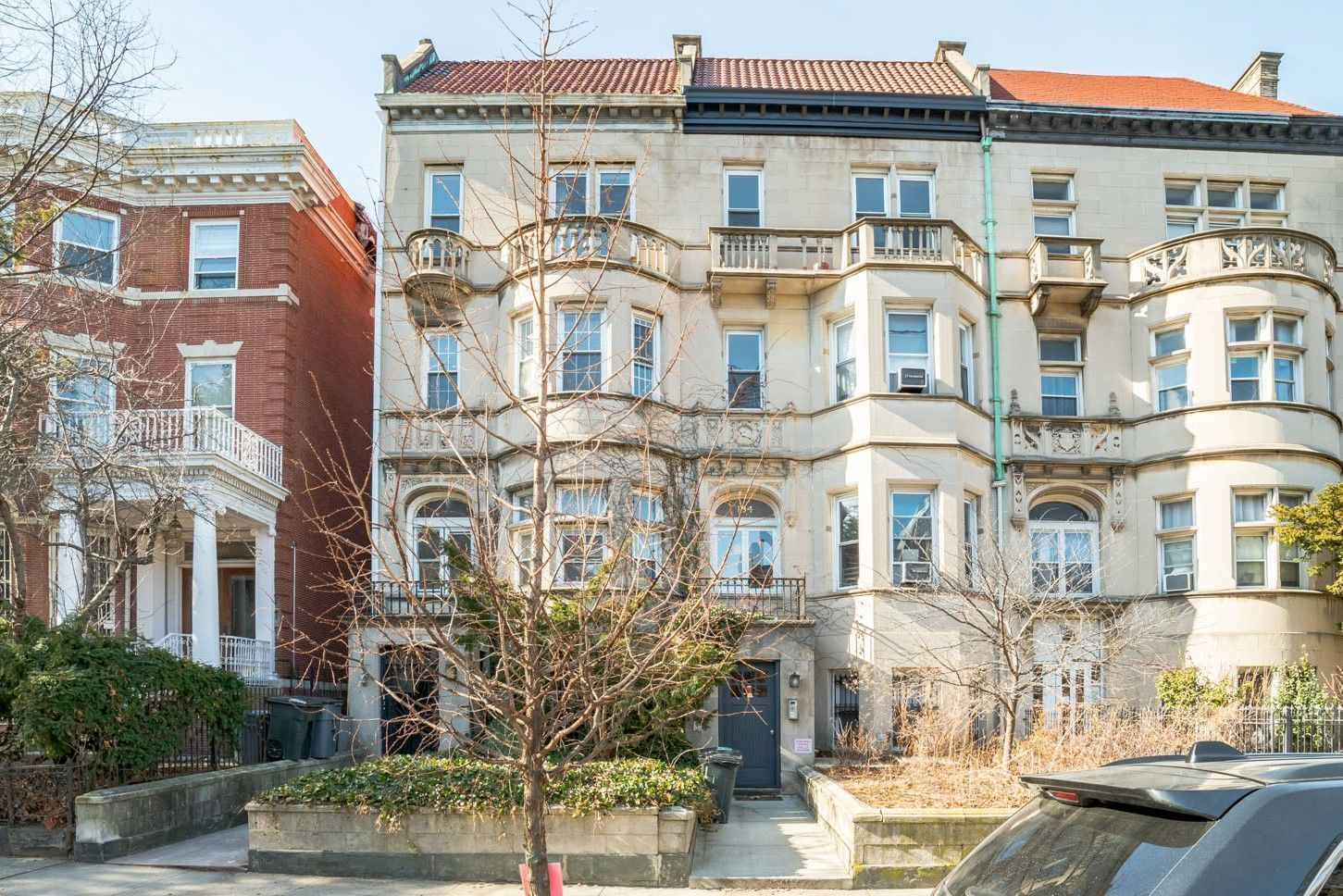 Big Bold Vacant 5 Unit Semi-Attached Limestone In Prime Crown Heights Photo 2 - BROWNSTONER-LISTING-97a538bd42ede9f4edc2fc244def62e3